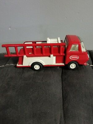 """Tonka Mini Fire Engine Pumper Truck With One Red Ladder Vintage 1960s 6"""" Long"""