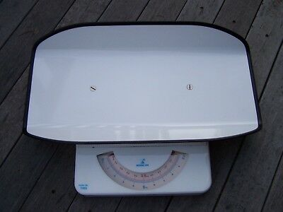 Vintage Momert Baby Scales Model No. 7465