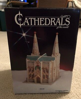1991 GINY Cathedrals of the World St. Patrick's New York, Lighted, Original Box