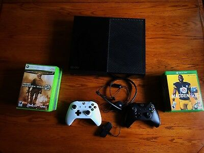 XBOX ONE 500gb BUNDLE MADDEN 19 COD MW2 BACKWARDS COMPATIBLE 2 REMOTES ALL
