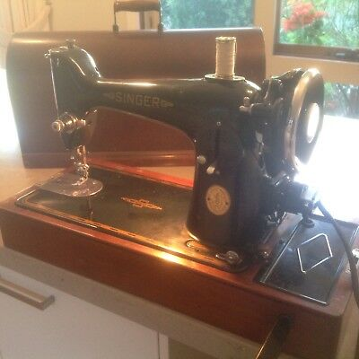 Singer Sewing Machine - Collector Item Circa 1960. Excellent condition
