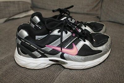 the latest 3f360 689f4 Womens-Nike-black-pink-tennis-athletic-shoes-size.jpg