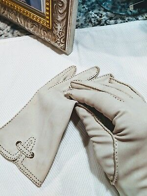 Vintage gloves, beige, leather-look, Sz 6.5 or 7, excellent condition