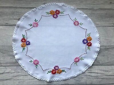 White Oval Embroidered Floral Doily, Traycloth, Vintage Embroidered Doily