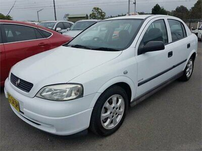 2005 Holden Astra TS MY05 Classic Equipe White Automatic 4sp A Hatchback