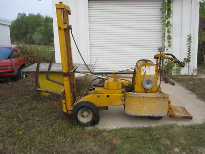 Primemover L812 Tricycle forklift Lull similar Wisconsin engine Ser# 21688