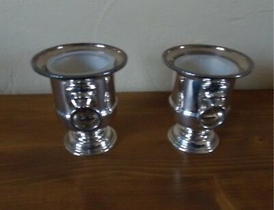 Pair of silver plate vintage urns / mustard pots Viners Sheffield Lion