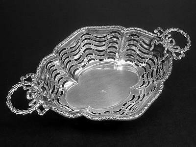 Synyer & Beddoes Sterling Silver Wreath Handled Reticulated Nut Dish c1912