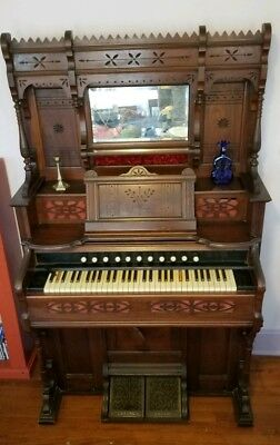 Antique 1888 Sterling Co. Mouse Proof Derby Reed Pump Parlor Organ 61 Keys