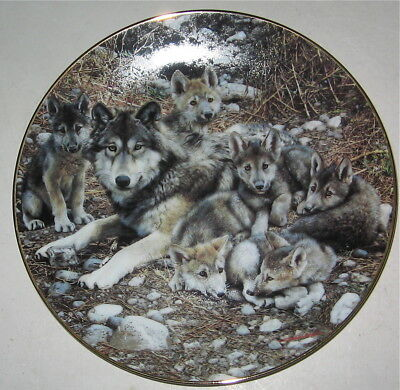 Wolf Limited Edition Collectors Plate Den Mother