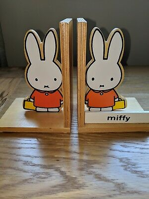Miffy with suitcase Wooden Book Ends 2005 Childrens Room Accessories