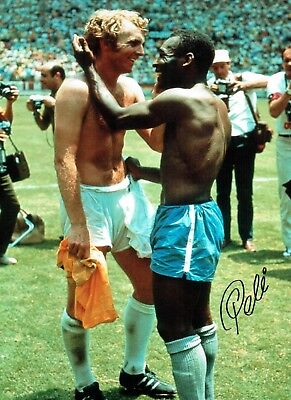 PELE SIGNED 16x12 Classic Photo with Bobby Moore Autograph AFTAL COA