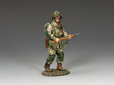 """KING & COUNTRY DD220 WWII """"U.S. 82nd PARA OFFICER WITH CARBINE"""" D-DAY 1944  MIB!"""