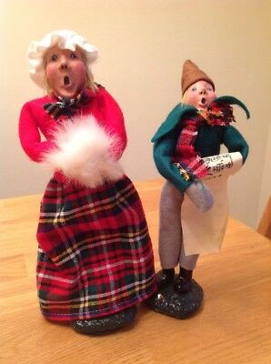VINTAGE CHRISTMAS CAROLERS PAPER MACHE LOT OF 2 made in TAIWAN.