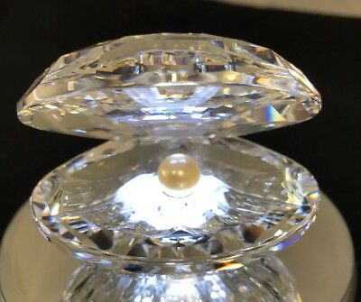 SWAROVSKI Crystal Large Clam Shell With Pearl Figurine