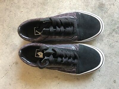 Authentic VANS Old Skool Unisex Shoes- Size: 7 Or Euro Size:38