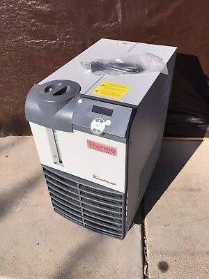 Thermo Fisher Scientific Neslab ThermoFlex900 Recirculating Chiller / New Cord
