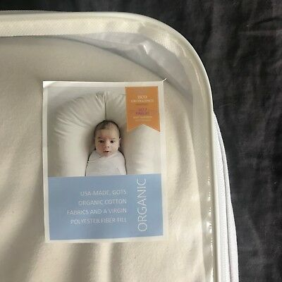 Snuggle Me Organic Natural with White Canvas Travel Bag