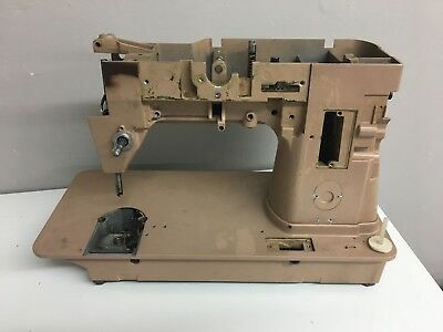 Singer Sewing Machine 401A BODY ONLY Lot #13