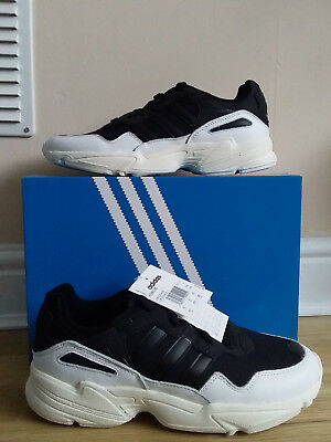 e250f7d4e86d7f ADIDAS ORIGINALS YUNG-96 MEN F97177 Black and White Trainers UK 9 NEW WITH  BOX
