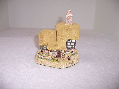 Blossom Cottage British Traditions May 1989 - David Winter Cottages #60