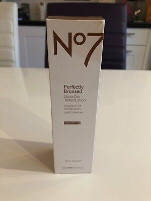 Boots No 7 Perfectly Bronzed Quick Dry Tinted Lotion Wear Off Light / Medium