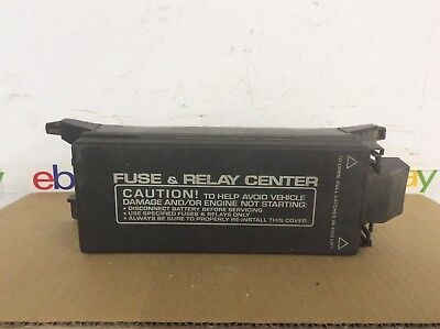 2000 00 Town & Country Caravan Voyager 3.8L AWD Engine Fuse Box 04868092AA OEM