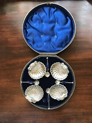 """4 Antique Sterling """"Shell Shaped"""" Salt Cellars With Spoons In Original Case"""