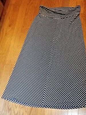 Old Navy Maternity Navy Blue And White Chevron Stripe Maxi Skirt size Large