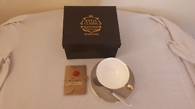 Bone China Tea cup, Saucer, Spoon Gift Set in Gold & White by ENGLAND New Boxed