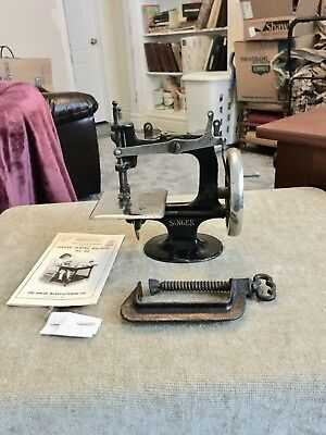 Rare 1914 Antique Vintage Singer 20 Toy Sewing Machine Small Child 2Nd Model See