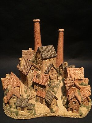 1982 The Old Distillery David Winter Cottages Hand Made & Painted England w/ COA