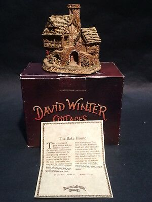 1983 The Bakehouse David Winter Cottages Hand Made & Painted UK w/ COA in Box