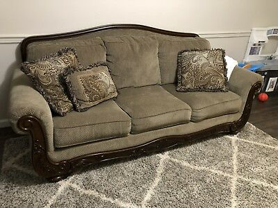 Ashley Furniture Martinsburg Sofa And Loveseat 1 099 00 Picclick