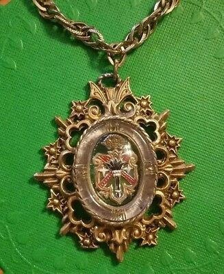 ~Vintage Chunky Glass Medallion Pendant Necklace~ Coat of Arms CREST Design~