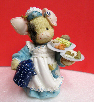 This Little Piggy SERVING UP THE SLOP TLP Pig Enesco Figurine