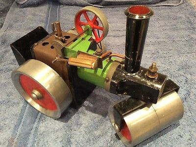 Mamod SR1 Steam Roller Pre 1965 Nut And Screw Construction.