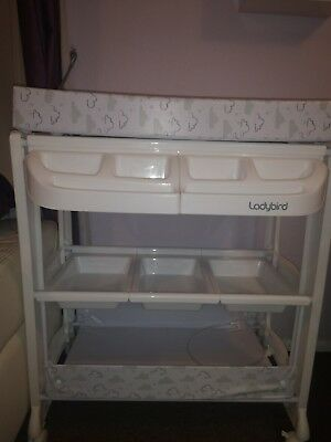 Ladybird Changing unit with bath and shelves
