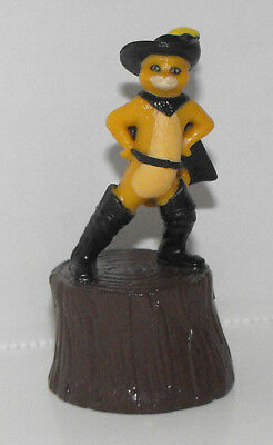 Puss in Boots Figurine 2 inches tall Plastic Miniature Figure from Shrek 2 Movie