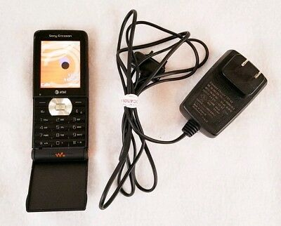 Black AT&T Sony Ericsson Walkman W350a Cell Phone -- WORKS GREAT! Music