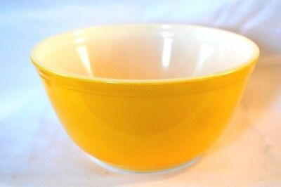 Vintage Pyrex Bright Sunflower Yellow 1-1/2 Quart Bowl Mixing Bowl #402