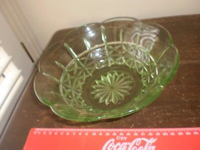 Vintage-Depression glass green large bowl