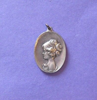 Vintage - Lady Pendant Medallion   ( Pewter )