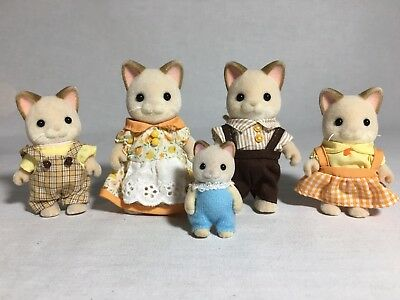 Calico critters/sylvanian families Keats Cat family of 5