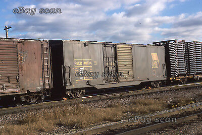 Pacific Great Eastern boxcar PGER 40134 - 1977 - Kodachrome original