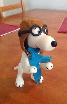 United Feature Syndicate 1966 Peanuts Snoopy Red Baron Figure w/Aviator Glasses