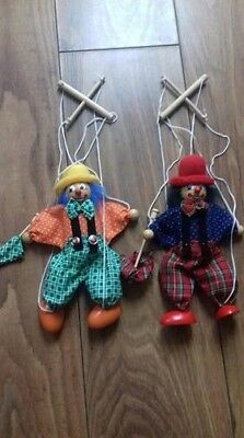 2x puppets marionette