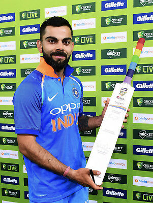 Zaidee's Cricket Bat signed by Player of the Match Australia Vs India ODI 2019.