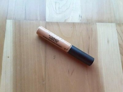 MAC Studio Fix 24-hour smooth wear concealer NW40