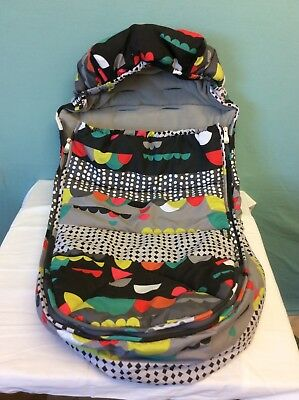 MAMAS & PAPAS COSY TOES GREY & MULTI COLOUR BUGGY LINER FOOT MUFF (ref 13)